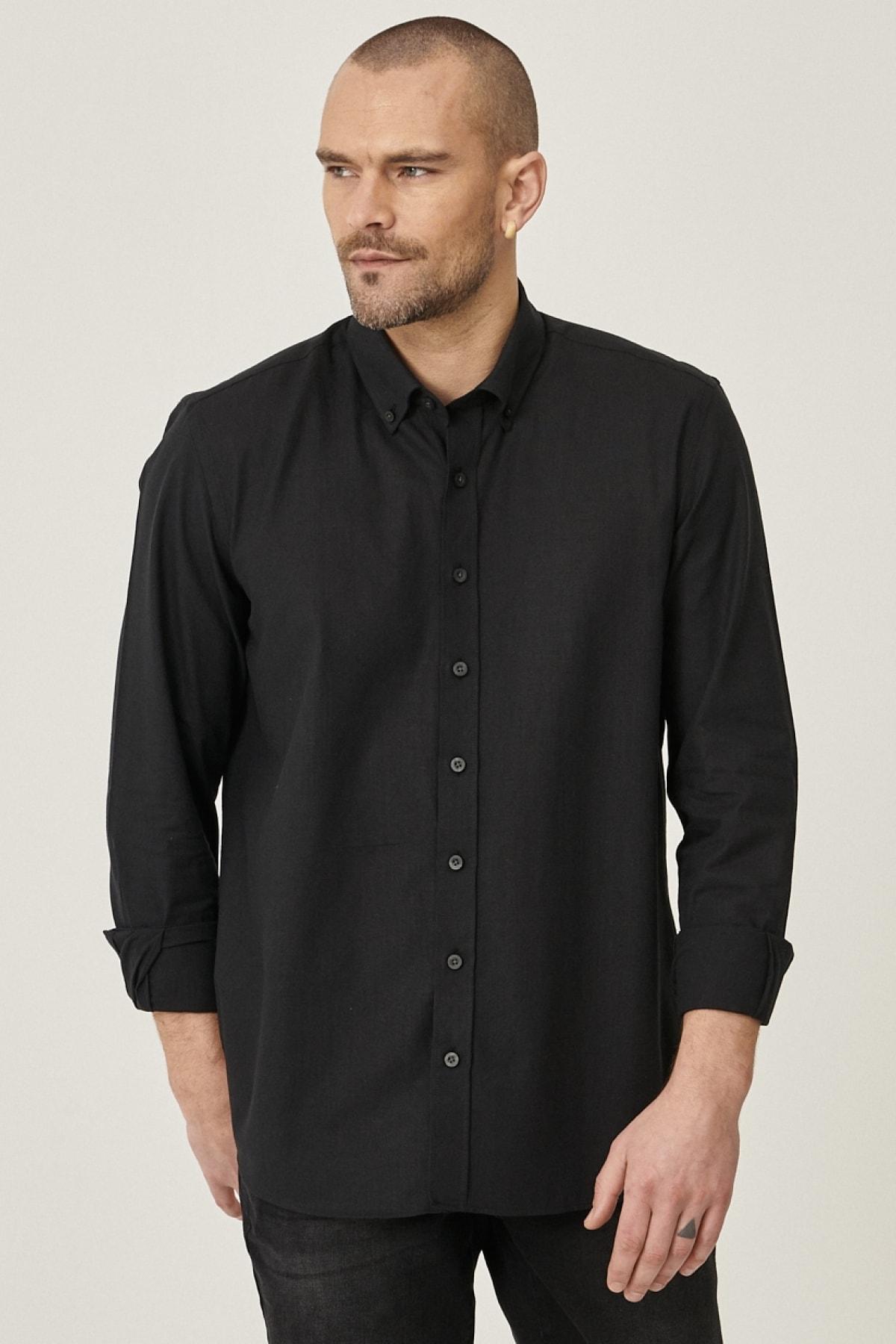 Erkek Siyah Tailored Slim Fit Dar Kesim Düğmeli Yaka %100 Koton Gömlek