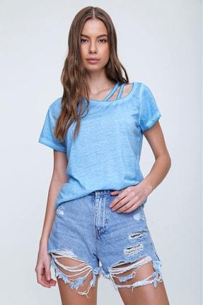 Trend Alaçatı Stili Kadın Mavi Askı Detaylı Yıkamalı T-Shirt MDA-1124 2