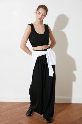 TRENDYOLMİLLA Siyah Crop Örme Bluz TWOSS21BZ1137 3