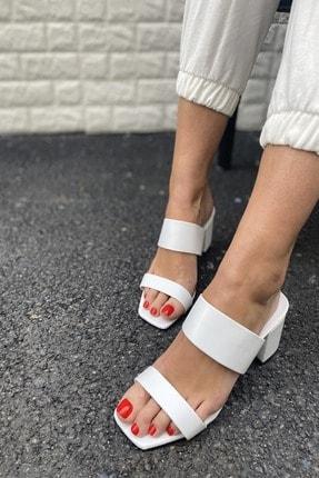 İnan Ayakkabı Kadın Beyaz Ince Ve Kalın Bant Detaylı Topuklu Terlik 2