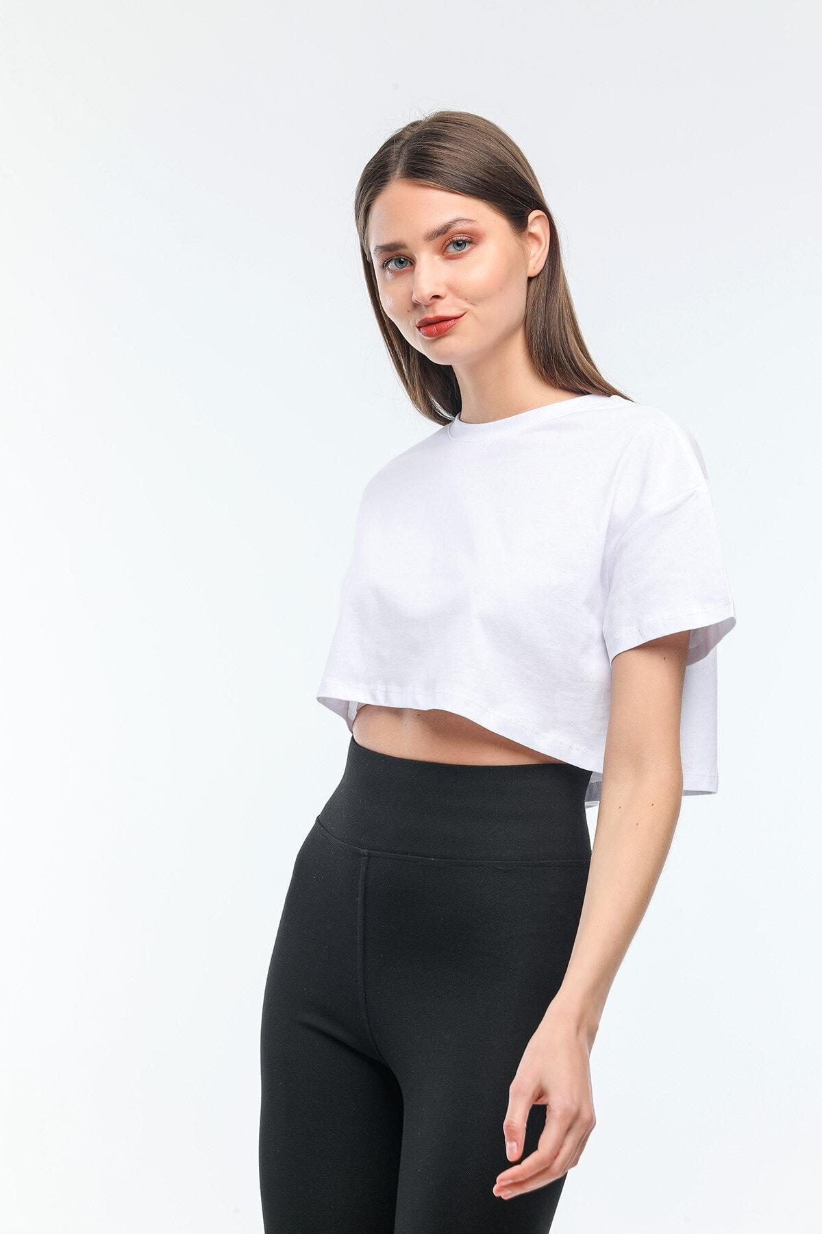 Nairobi Kadın Basic Bisiklet Yaka Crop Top Tişört Kadın Beyaz Crop Tişört Beyaz Kadın Tişört