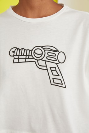 TRENDYOLMİLLA Ekru Baskılı Crop Örme T-Shirt TWOSS21TS0386 3