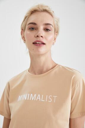 Defacto Kadın Bej Slogan Baskılı Pamuklu Relax Fit Kısa Kollu Tişört 2