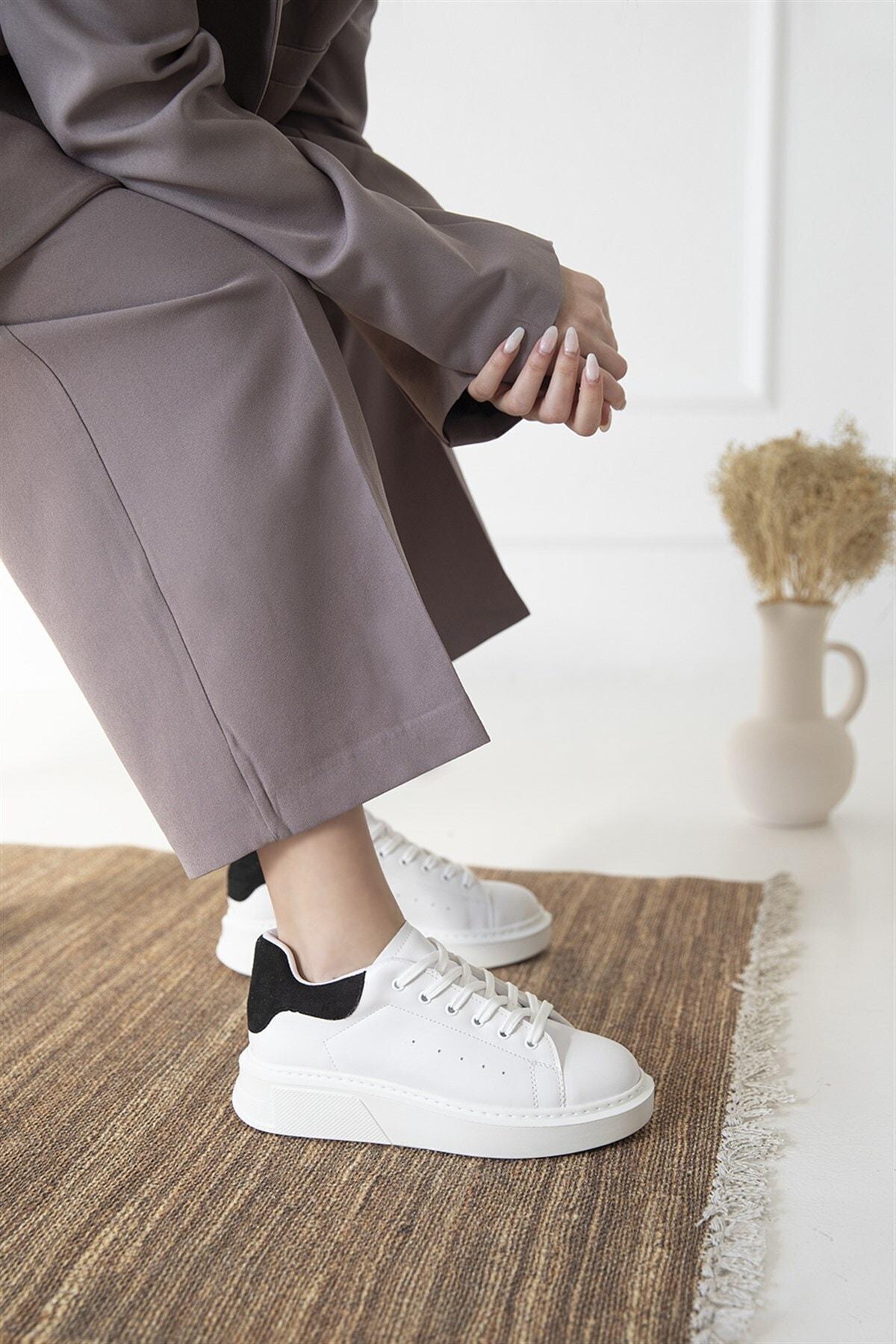 Kadın Beyaz-siyah Süet Spor Ayakkabı