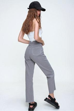 Trend Alaçatı Stili Kadın Duman Gri Beş Cepli Paçası Dikişsiz Yüksek Bel Jeans ALC-X5961 4