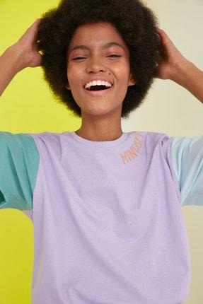 TRENDYOLMİLLA Lila Nakışlı Boyfriend Örme T-Shirt TWOSS21TS0141 1