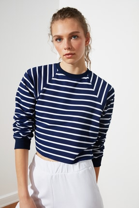 TRENDYOLMİLLA Lacivert Crop Örme  Sweatshirt TWOSS21SW0145 1