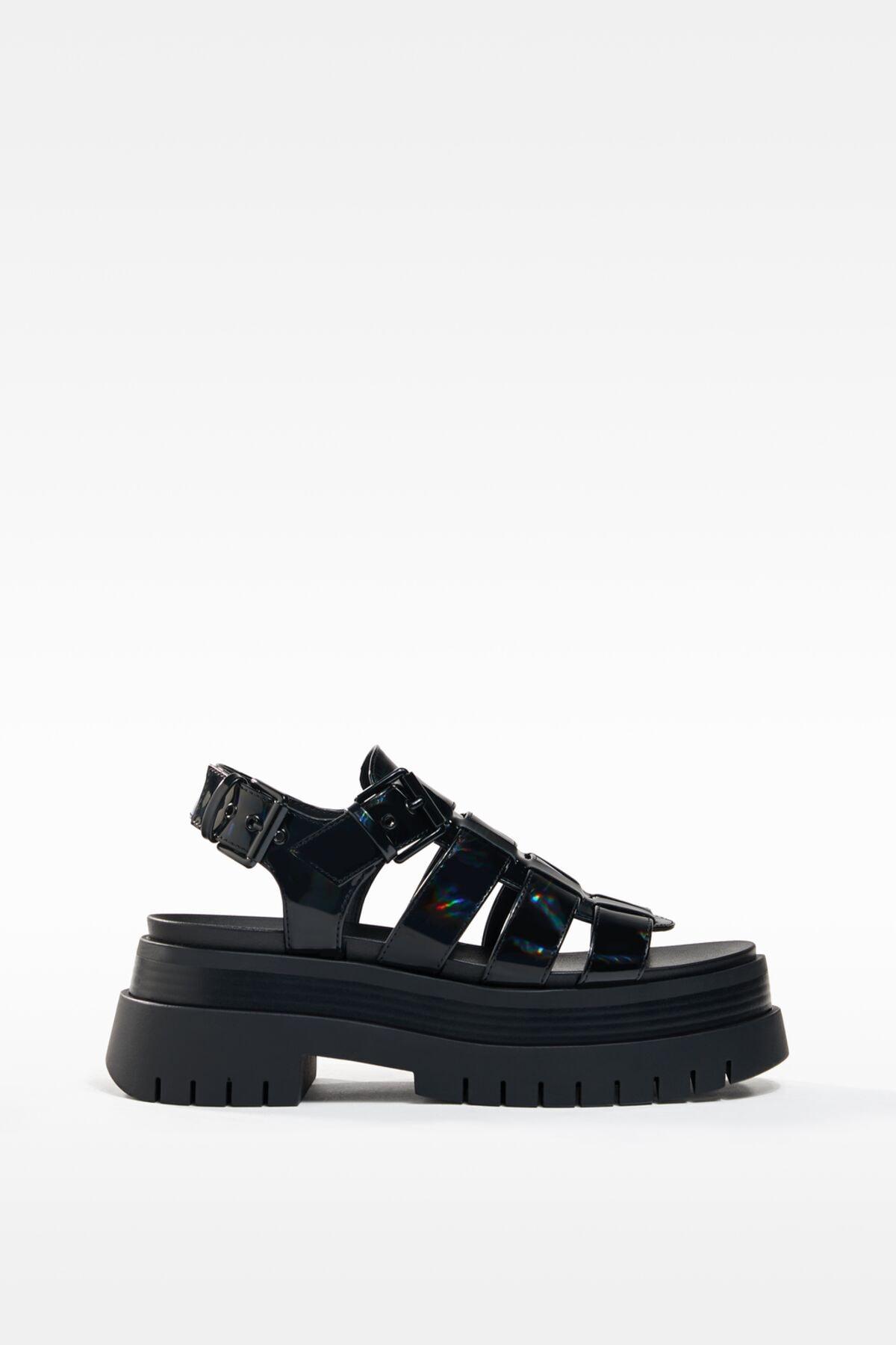 Bershka Kadın Siyah Yanardöner Platform Bantlı Sandalet 0
