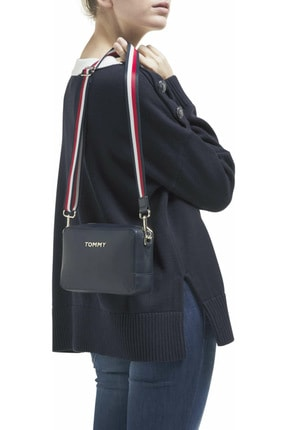 Tommy Hilfiger Kadın Mavi Omuz Çantası Iconıc Tommy Camera Bag AW0AW08608 3