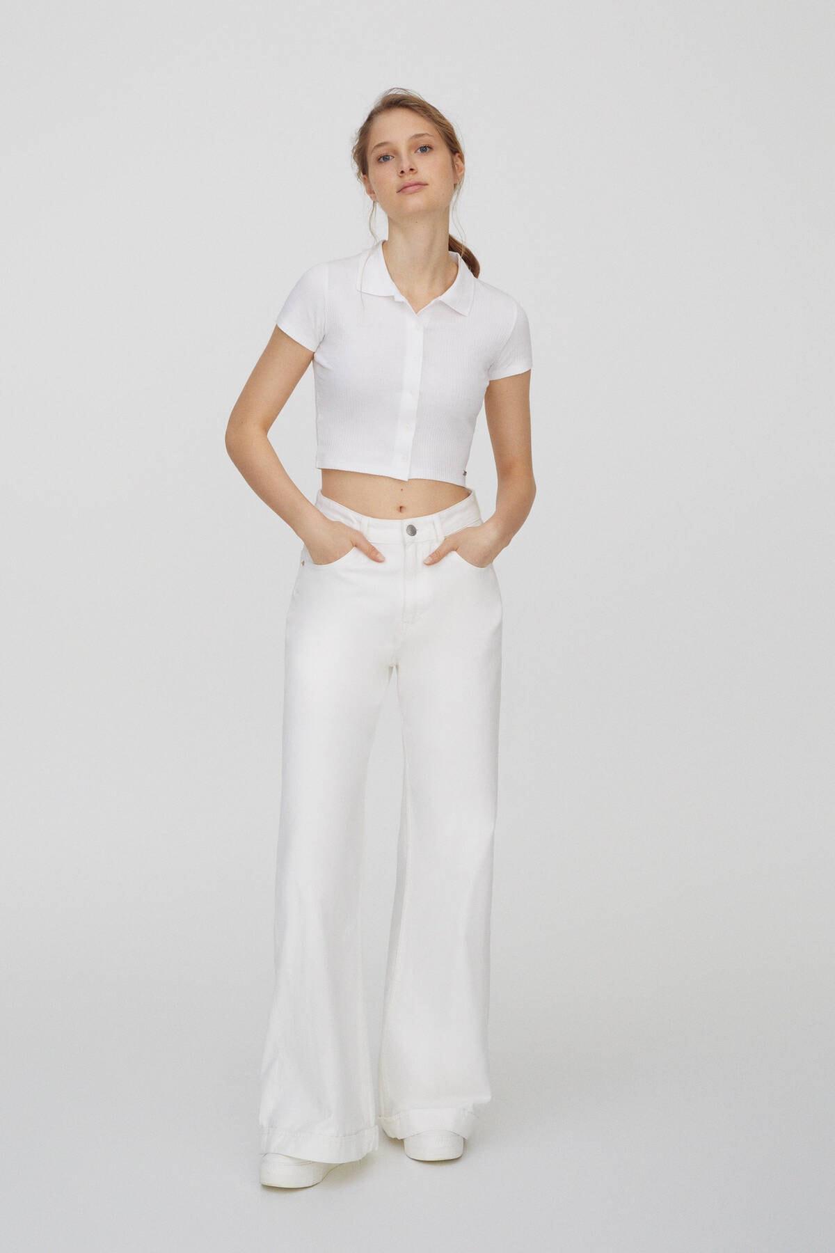 Pull & Bear Kadın Beyaz Düğmeli Kısa Kollu Polo T-Shirt 04240368 1