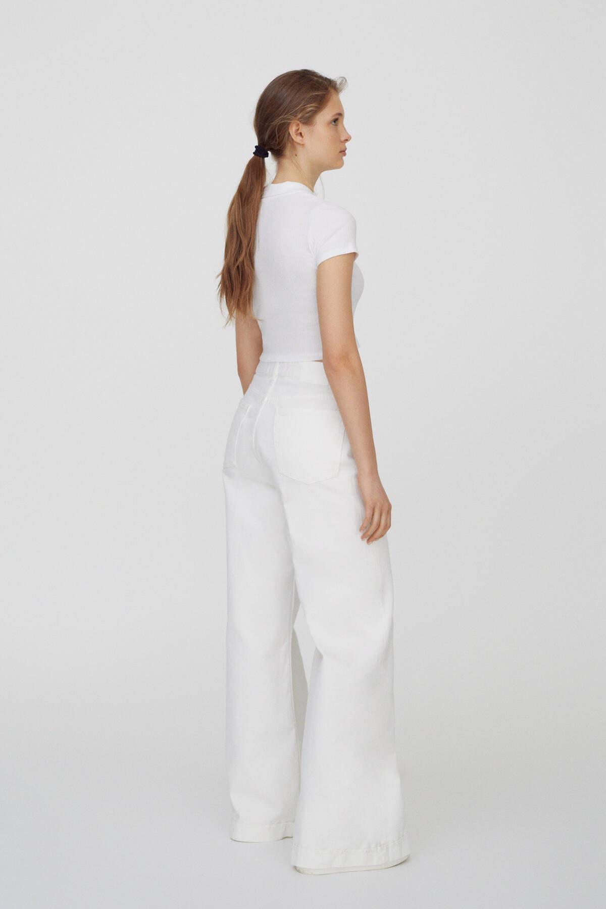 Pull & Bear Kadın Beyaz Düğmeli Kısa Kollu Polo T-Shirt 04240368 2