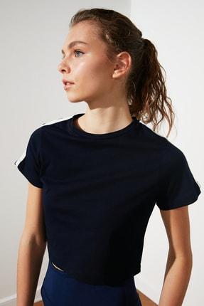 TRENDYOLMİLLA Lacivert Şeritli Crop Spor T-Shirt TWOSS21TS0551 0