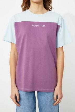 TRENDYOLMİLLA Açık Mavi Baskılı Boyfriend Örme T-Shirt TWOSS21TS0061 3