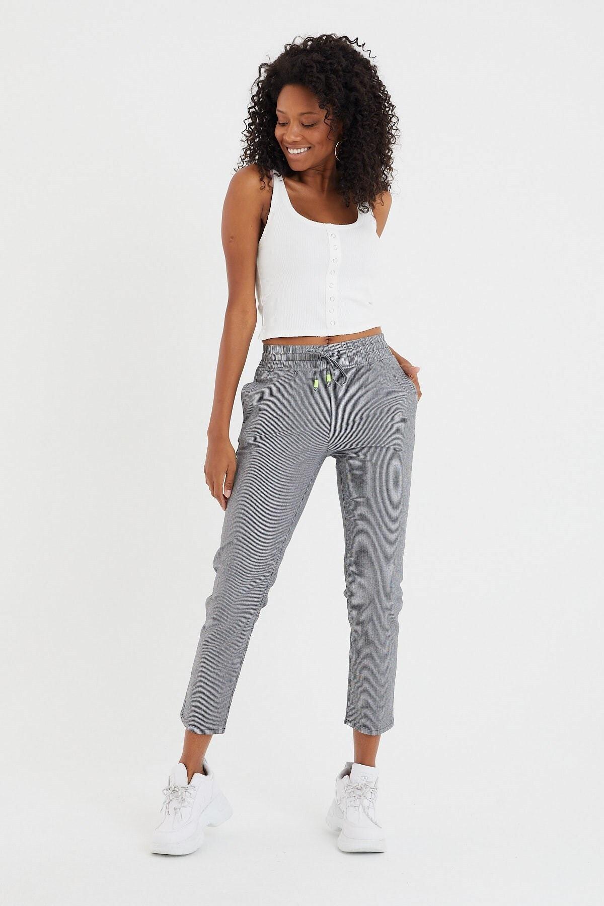 Kadın Siyah Alıan İnce Çizgili Beach Pantolon