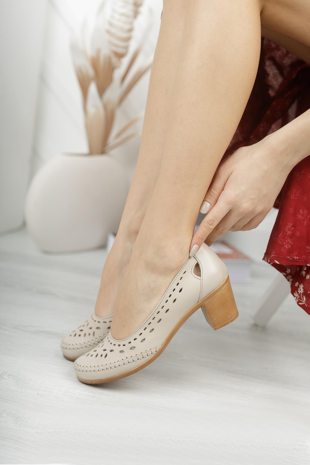 Hakiki Deri Bej Kadın Günlük Klasik Topuklu Ayakkabı