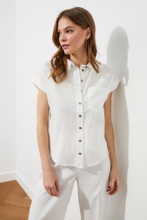TRENDYOLMİLLA Beyaz Klasik Gömlek TWOAW20GO0081 2