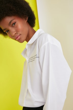 Picture of Beyaz Yazı Baskılı Gömlek TWOSS21GO0661