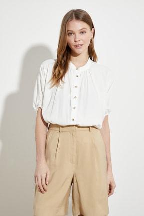 Picture of Beyaz Dik Yaka Gömlek TWOSS21GO0754