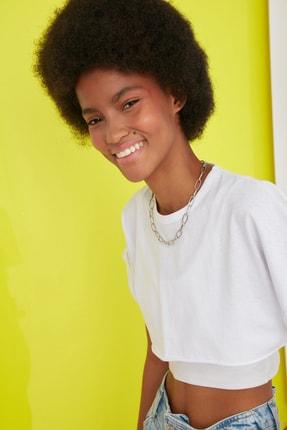 TRENDYOLMİLLA Beyaz Süper Crop Örme T-Shirt TWOSS21TS0091 2