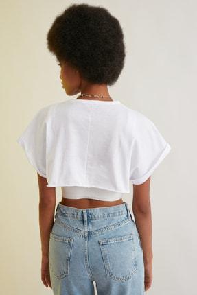 TRENDYOLMİLLA Beyaz Süper Crop Örme T-Shirt TWOSS21TS0091 4