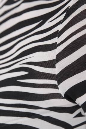 Addax Kadın Siyah Beyaz Zebra Desenli Bluz P1083 - Y3W2 Adx-0000023310 3