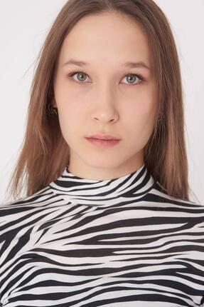 Addax Kadın Siyah Beyaz Zebra Desenli Bluz P1083 - Y3W2 Adx-0000023310 4