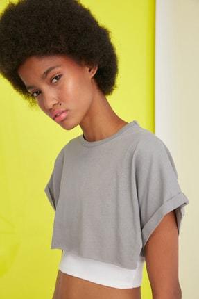 TRENDYOLMİLLA Gri Süper Crop Örme T-Shirt TWOSS21TS0091 2