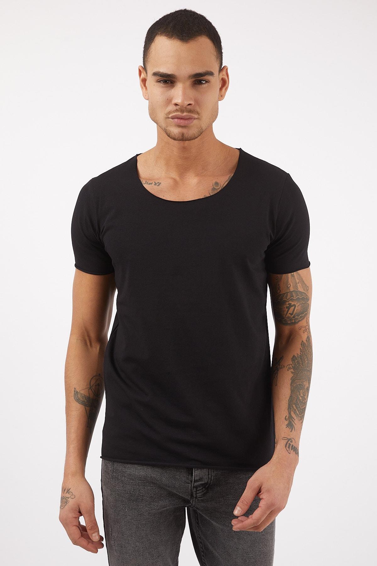 Erkek Basic Siyah Geniş Yaka Pamuklu Tişört