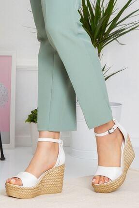 derithy Kadın Beyaz Vinle Dolgu Topuklu Ayakkabı lzt0590 1
