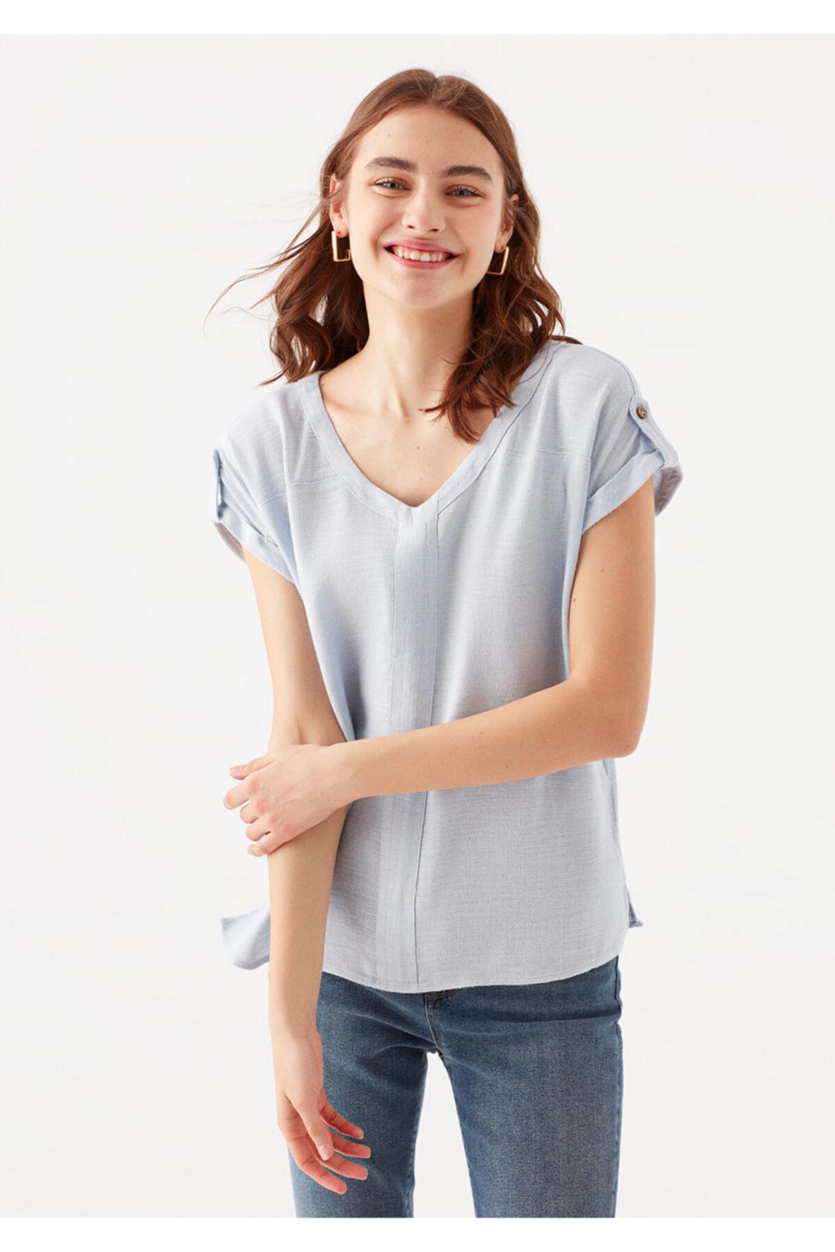 Kadın Mavi V Yaka Tişört