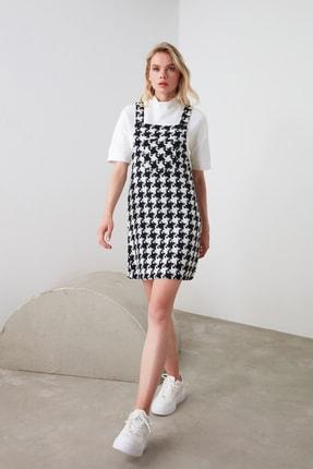 TRENDYOLMİLLA Siyah Kaz Ayağı Desenli Salopet Elbise TWOAW20EL0208 0
