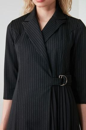 TRENDYOLMİLLA Siyah Çizgili Elbise TWOAW20EL1517 1