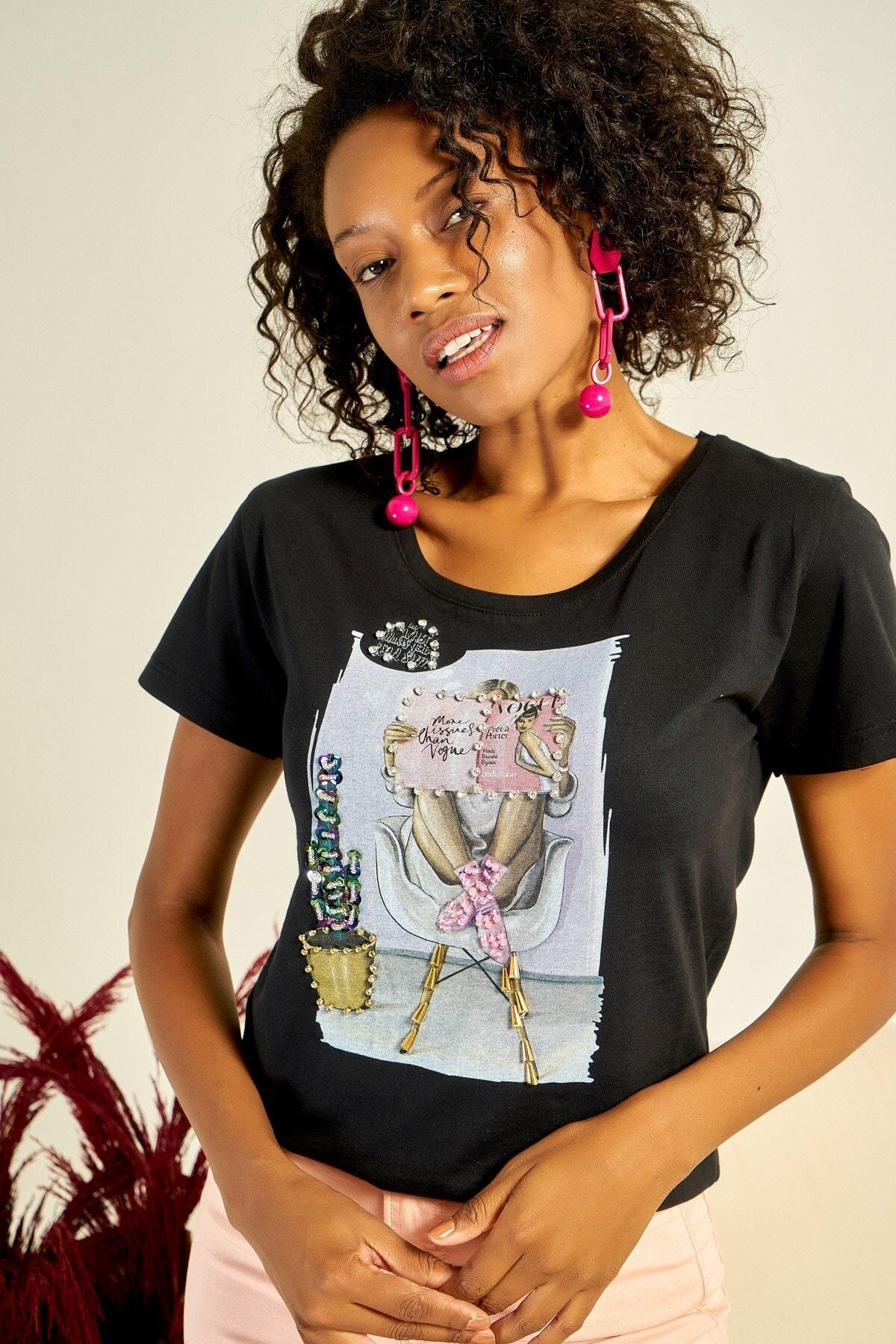 Boutiquen Kadın Siyah Önü Baskılı Taş İşlemeli T-shirt ZM-1979 0
