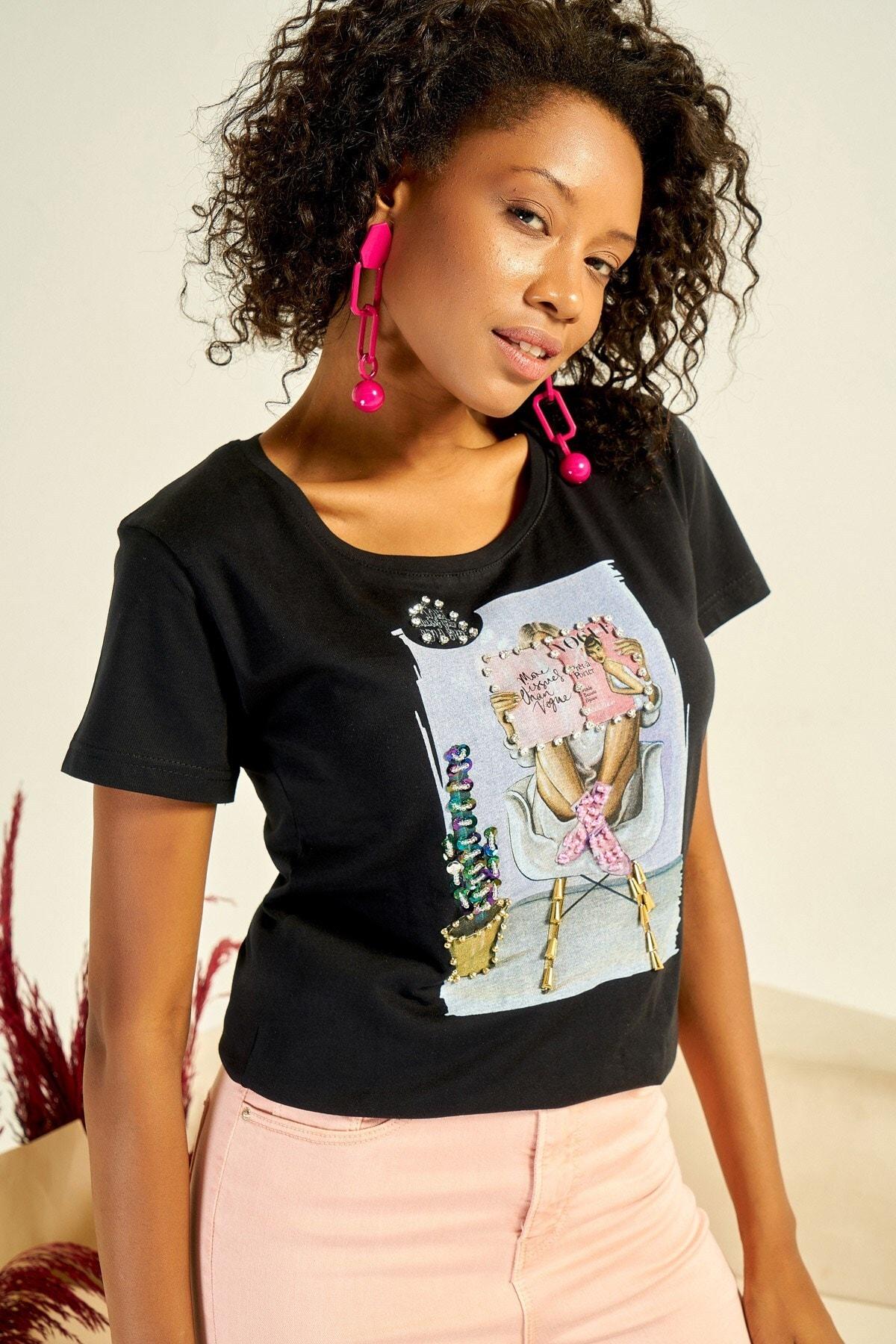 Boutiquen Kadın Siyah Önü Baskılı Taş İşlemeli T-shirt ZM-1979 2