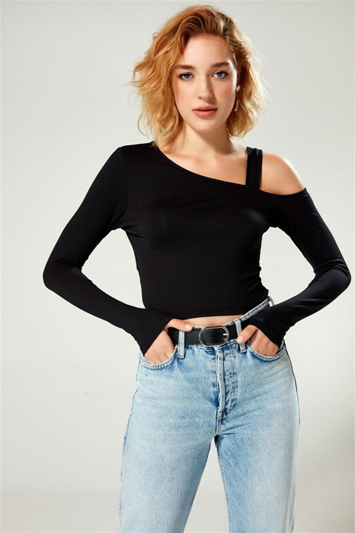 Boutiquen Kadın Siyah Omzu Bantlı Bluz 1241 0