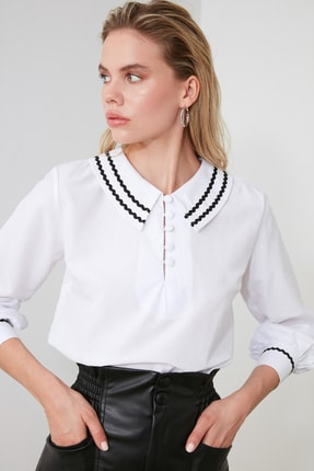 TRENDYOLMİLLA Beyaz Yaka Detaylı Bluz TWOSS20BZ0036 0