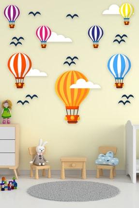Tilki Dünyası Uçan Balonlar Beyaz Bulutlar Ve Kuşlar 3