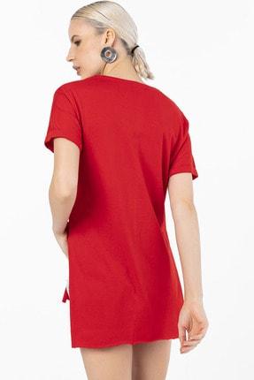 EMJEY Kadın Kırmızı İki Yanı Yırtmaçlı V Yaka T-Shirt 2