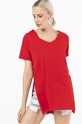 EMJEY Kadın Kırmızı İki Yanı Yırtmaçlı V Yaka T-Shirt 4