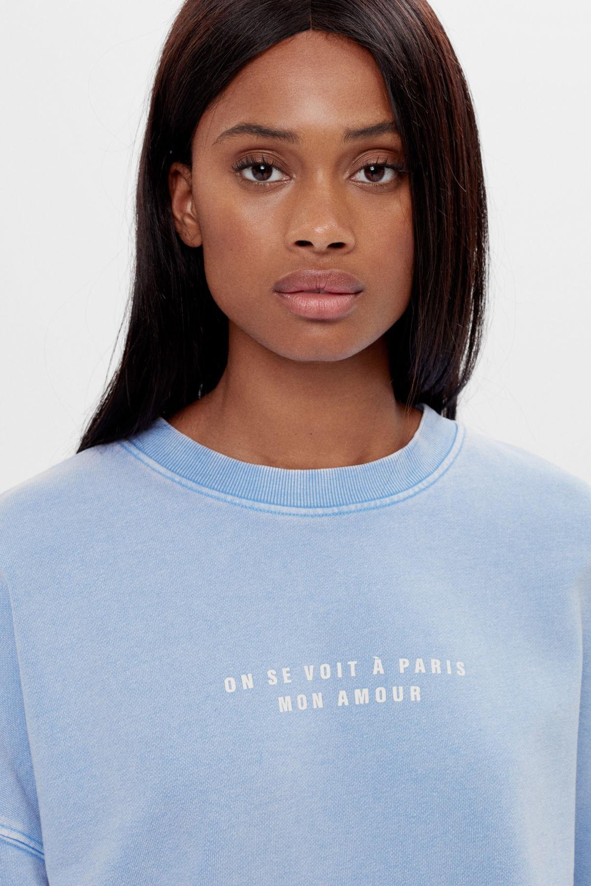 Bershka Kadın Açık Mavi İşlemeli Baskılı Sweatshirt 06844443 2