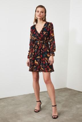 TRENDYOLMİLLA Siyah Çiçek Desenli Kuşaklı Elbise TWOAW20EL1628 1