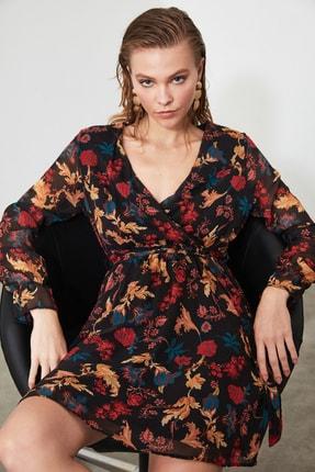 TRENDYOLMİLLA Siyah Çiçek Desenli Kuşaklı Elbise TWOAW20EL1628 2