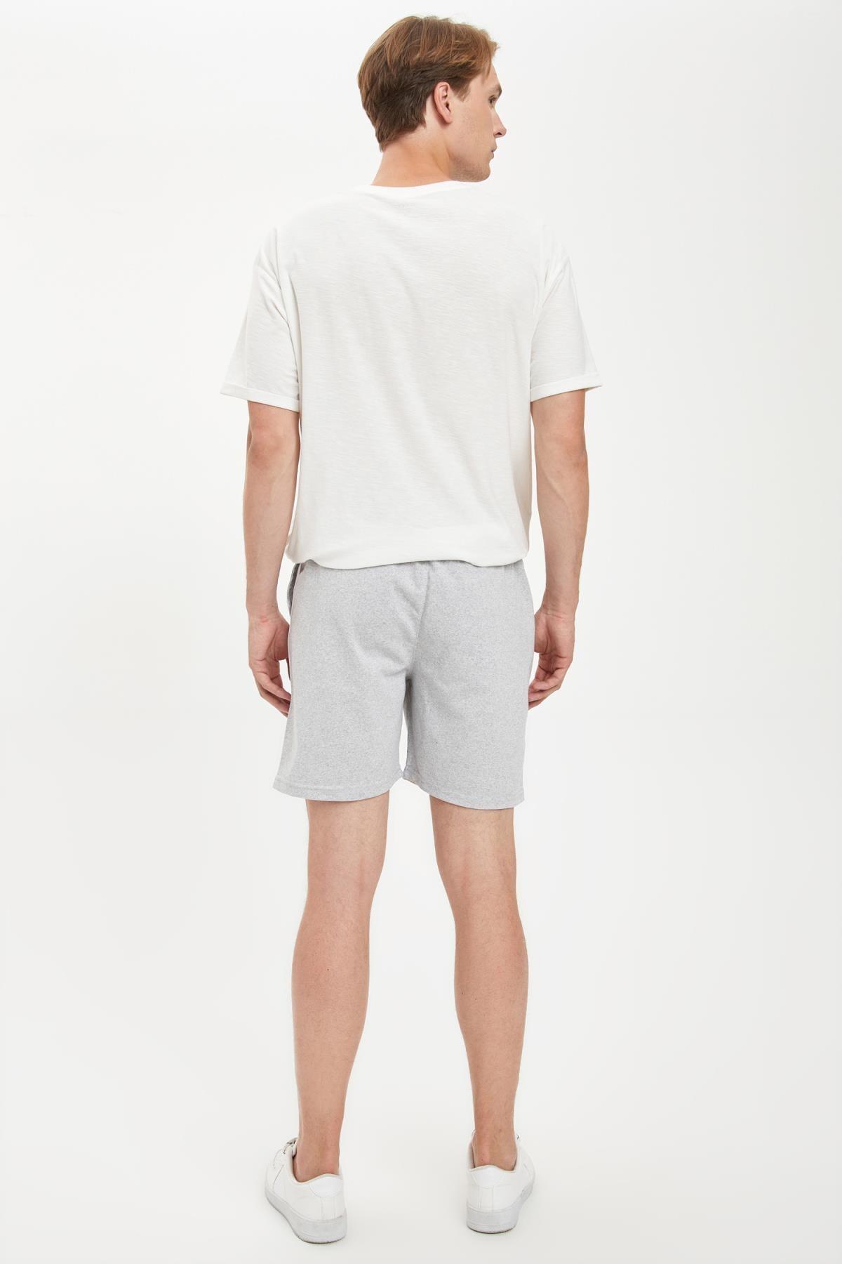 Defacto Erkek Gri Şeritli Detaylı Bağcıklı Slim Fit Şort S2212AZ20SM 2
