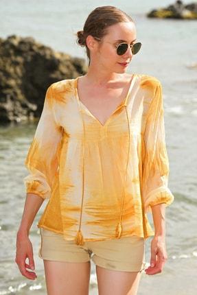 Trend Alaçatı Stili Kadın Hardal V Yaka Batik Desenli Bluz ALC-020-039-PW-RW1 1