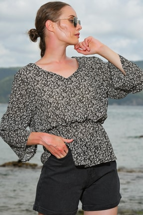 Trend Alaçatı Stili Kadın Siyah V Yaka Desenli Şifon Bluz ALC-020-029-VK-RW1 1