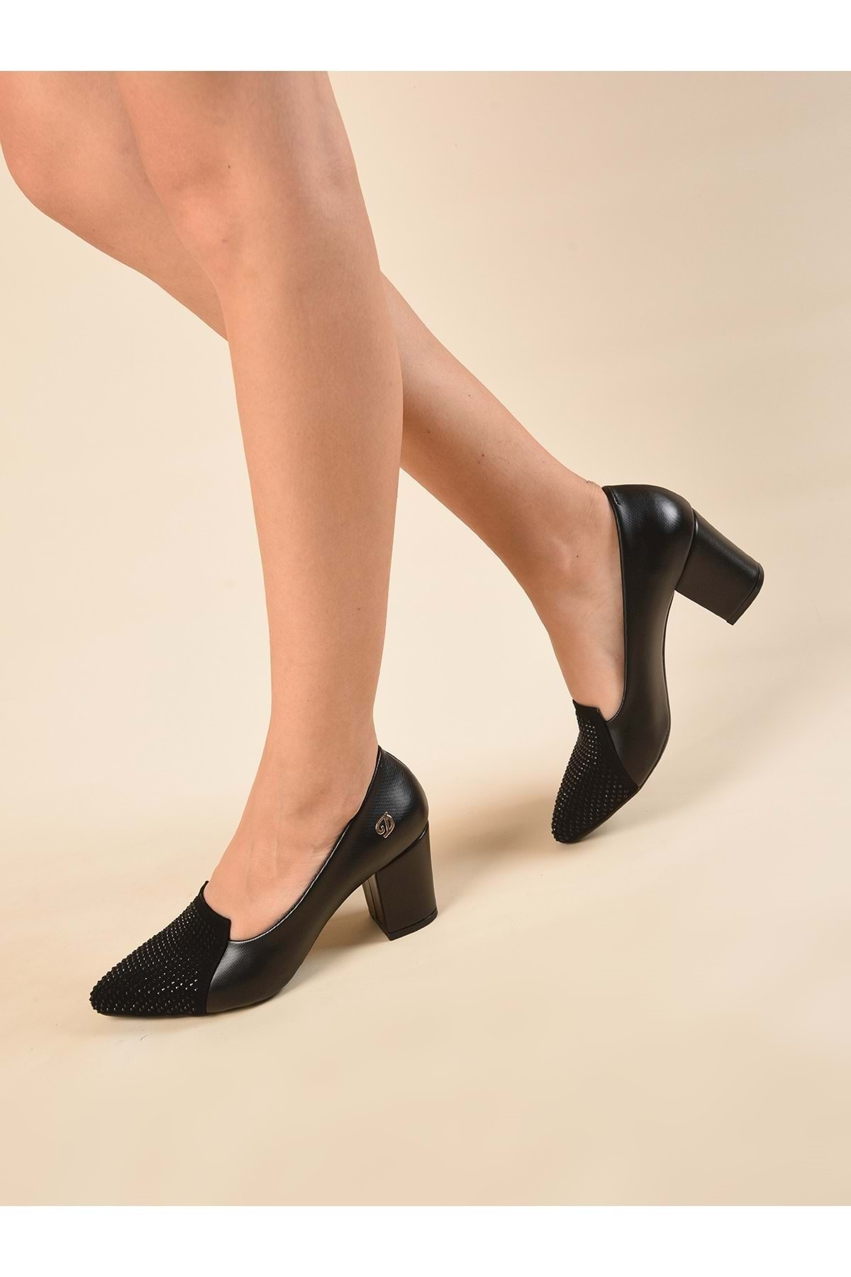 Terzioğlu Ayakkabı Kadın Siyah Parlak Klasik Topuklu Ayakkabı