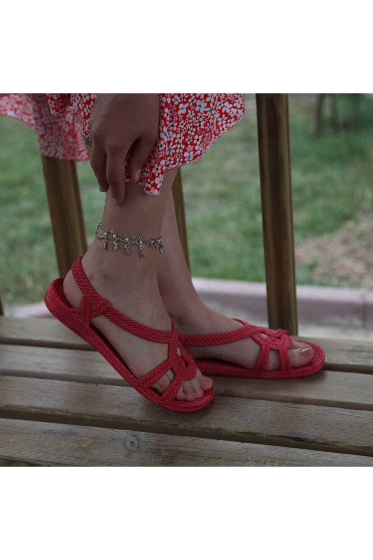 KAŞGAR Kadın Lastik Kırmızı Sandalet