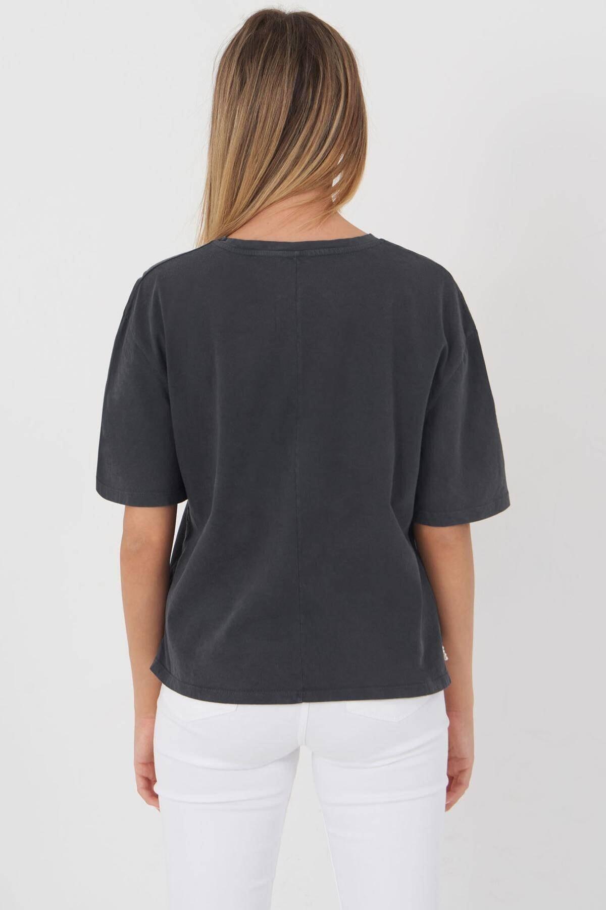 Addax Kadın Füme Boncuk Detaylı Tişört P12236 - T10 Adx-0000023903 4
