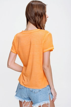 Trend Alaçatı Stili Kadın Turuncu Askı Detaylı Yıkamalı T-Shirt MDA-1124 3