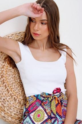 Trend Alaçatı Stili Kadın Beyaz Kare Yaka Kaşkorse Bluz ALC-X6017 2